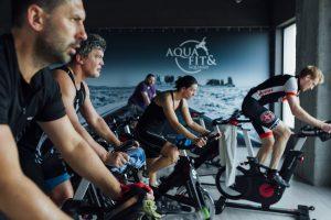 mieszkańcy trójmiasta trenują w Aqua Fitness